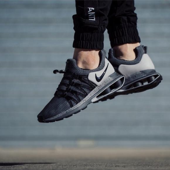 low priced 76cda 6464e Nike SHOX GRAVITY Men s Running Shoe - Gray Black